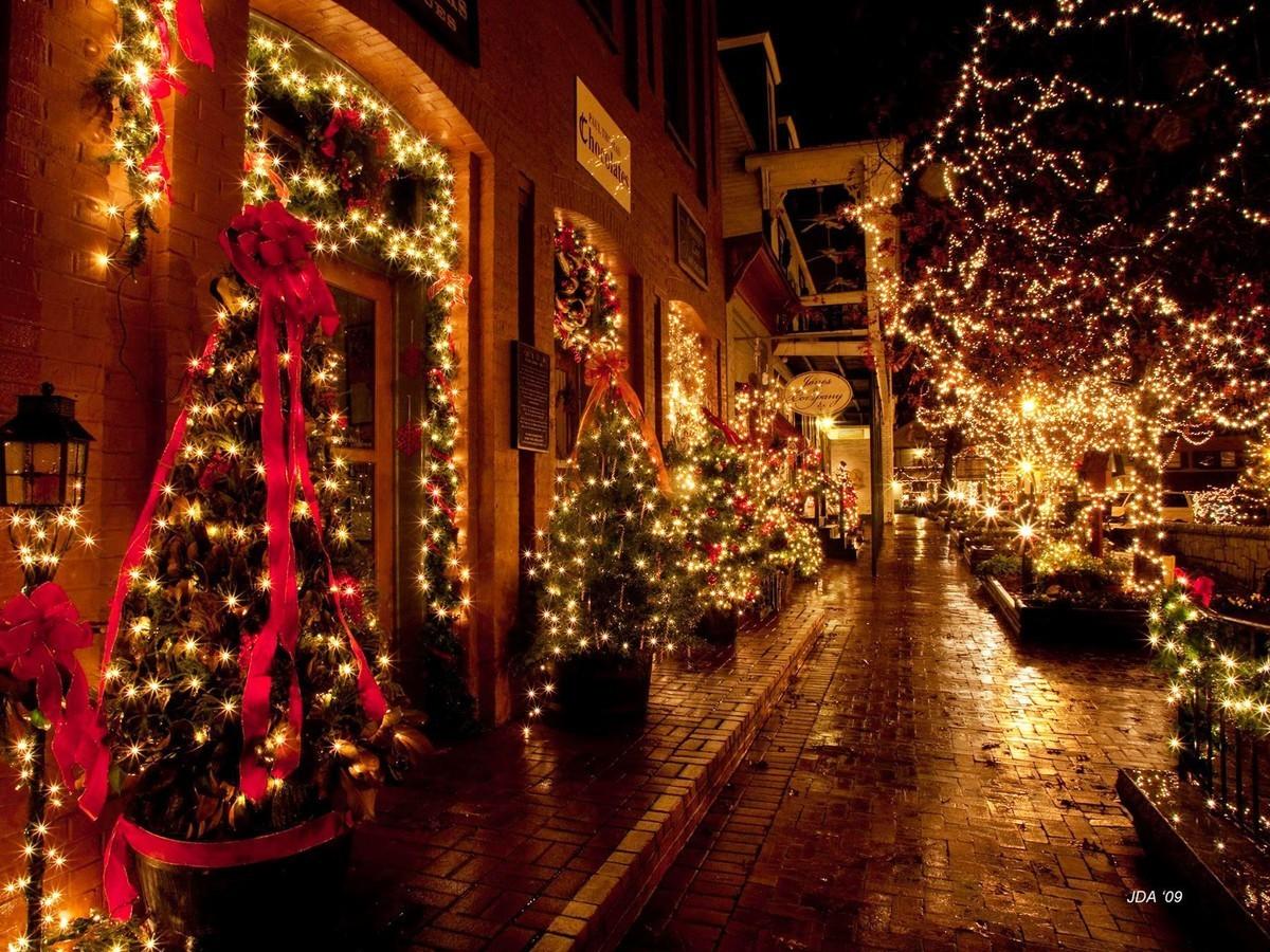 क्रिसमस का पर्व पर निबंध (बड़ा दिन का त्योहार)- Christmas Essay in Hindi